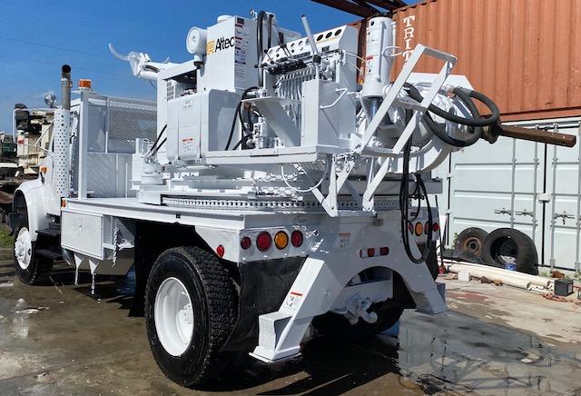 Altec Digger Truck For Sale