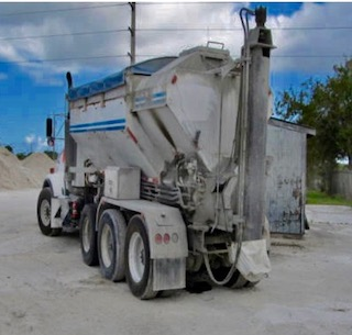 Volumetric Concrete Mobile Mixer Gunite Truck