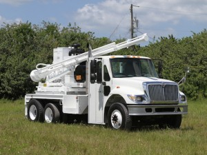 truck_mounted_drill_449910693