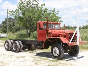 6x6_truck_1036940470