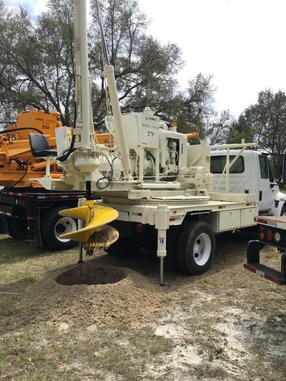 Texoma 270 Pressure Digger Drilling A Hole