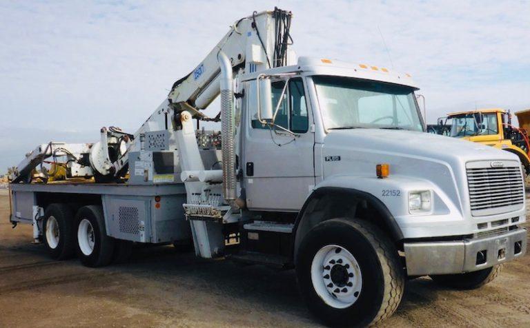 FEC 25017 Tire Crane OTR Service Truck