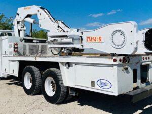 OTR Service Truck Tire Crane