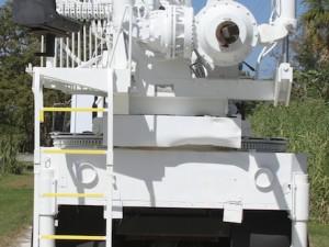 drilling_truck_1058098097